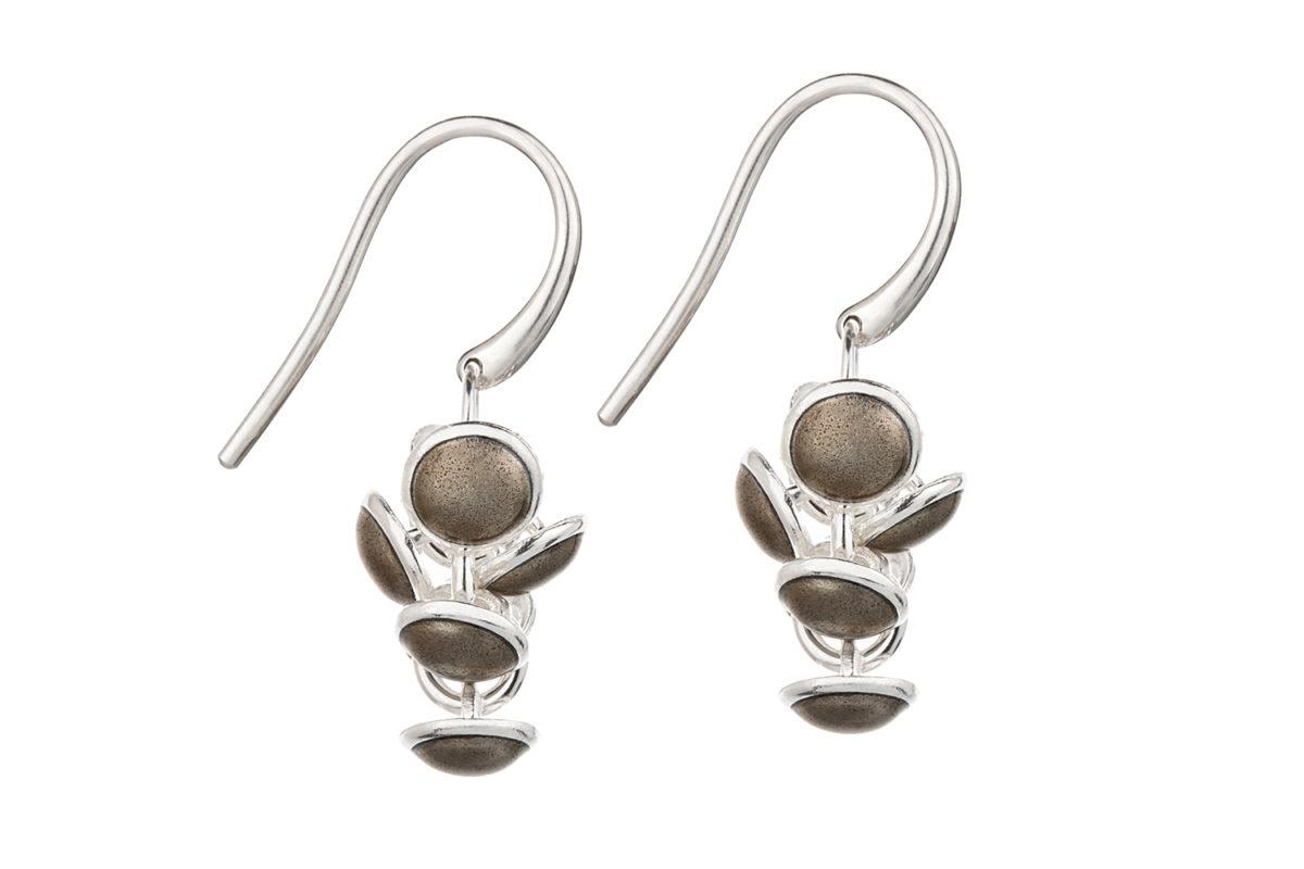 Seashell earrings brown. KL006. 1000,-